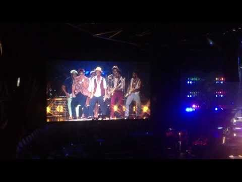 Bruno Mars - Treasure (Forum Copenhagen Oct 31st 2013)