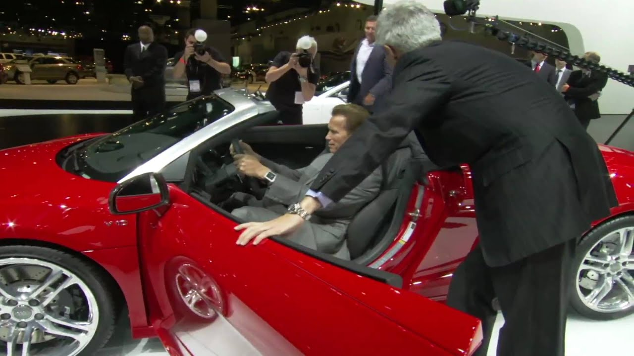 Gov Arnold Schwarzenegger visits Audi e-tron at the Los Angeles Auto Show - YouTube