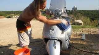 This is how I wash my Vespa - Part 1 | MicBergsma