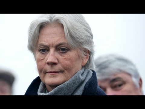 France: Presidential favourite Fillon 'paid wife as aide'