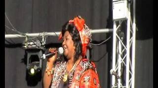 SOMALI  MUSIC  FADUMA QASSIM  FESTIVAL OSLO ( 3  )  IFTINFF.avi