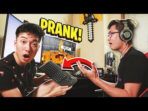 I Used A WIRELESS Keyboard To PRANK My Little Brother In Minecraft!