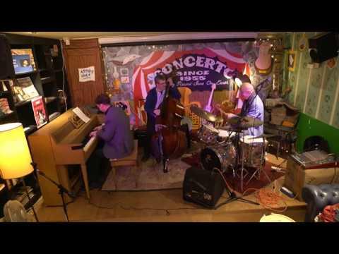 John Engels presenteert: Diamond Five instore @ Concerto 03/11/2017