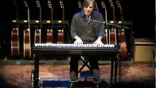 Watch Jackson Browne Looking Into You video