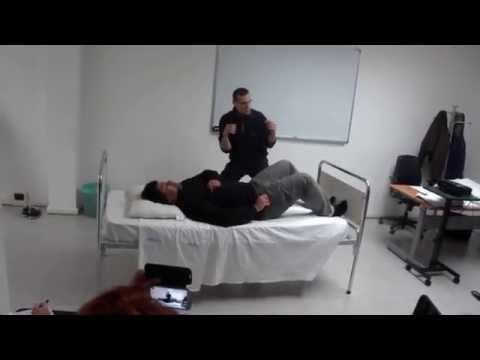 Corso oss trasferimento paziente dal letto alla corrozzina - Mobilizzazione paziente emiplegico letto carrozzina ...