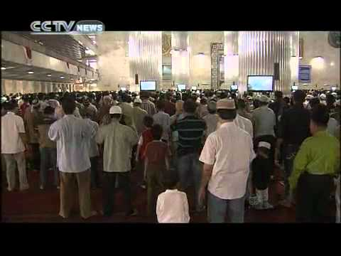 Life in Islamic boarding school Part 5 Experiencing Indonesia -  (1) CCTV News