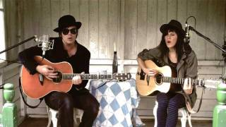 Little Fish with Gaz Coombes - Wonderful (acoustic)