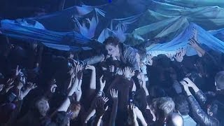 Amanda Palmer & The Grand Theft Orchestra - Bottomfeeder (Live in London) | Moshcam