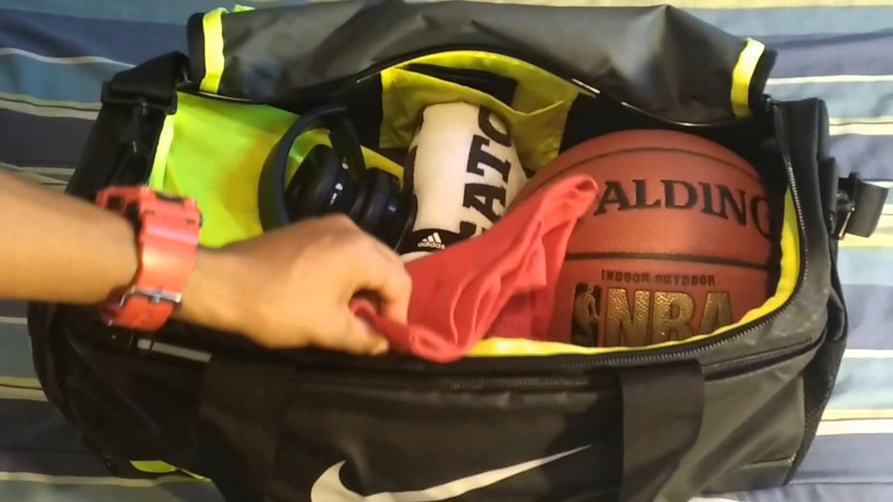 bacc8b50b1 Nike Max Air Vapor Duffel Bag - YouTube