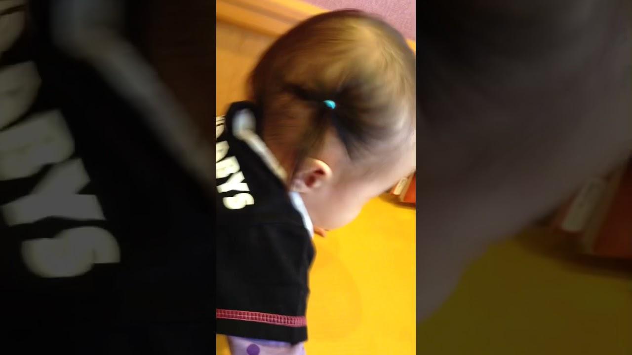 柳原かなこ的な声と他の赤ちゃんが泣くと泣き止む子