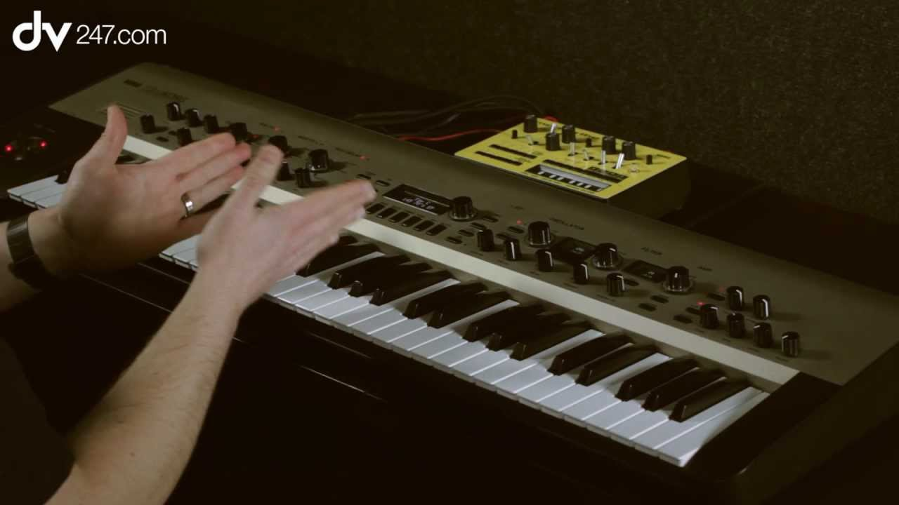 Korg KingKORG Synthesizer Demo