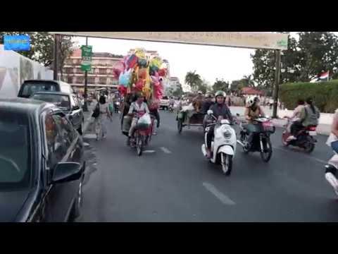 Phnom Penh Sisowath Quay street signs walking is hell