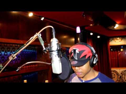 M.I.C IN CHICAGO STUDIO RECORDING SMOKIN LOUD NOW...5