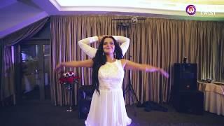 Современный свадебный танец МИКС от студии Double Twist / Wedding MIX(Свадебный Микс в великолепном исполнении Вани и Ани! Этот танец ничто не испортит, даже внезапно выключенна..., 2015-09-27T15:36:30.000Z)