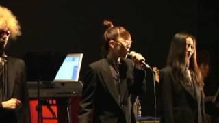 2004年8月24日「A DAY IN THE LIVE OF TOKYO」より。 このライブは、演...