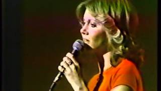 Olivia Newton-John - The Air That I Breathe (Have You Never Been Mellow/Midnight Special)