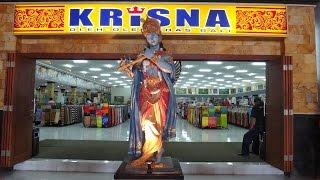 Gambar cover Bali Khresna oleh-oleh Sunset Road Kuta, Suasana di dalamnya