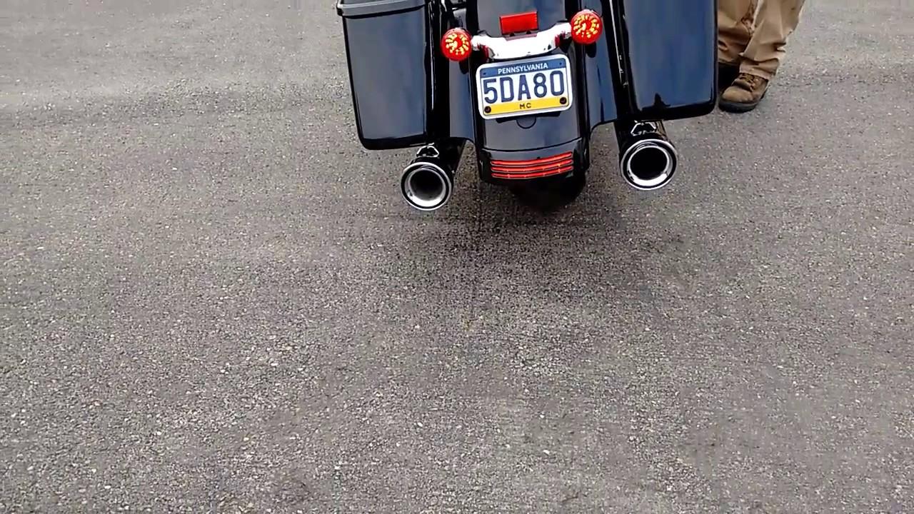Cobra neighbor haters mufflers on 2017 Street Glide