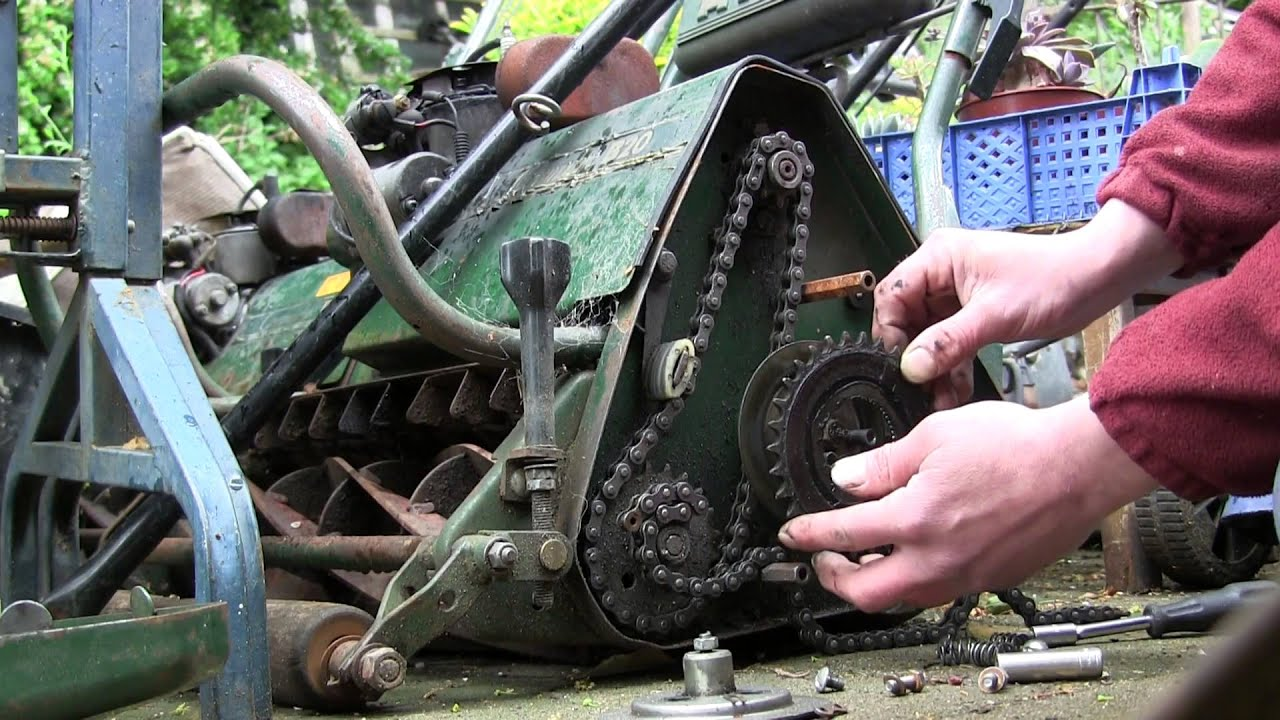 How to change the drive clutch friction plate Atco Cylinder Mower