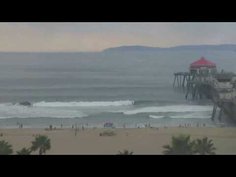 An Epic Evening Of Surf At The Huntington Beach Pier