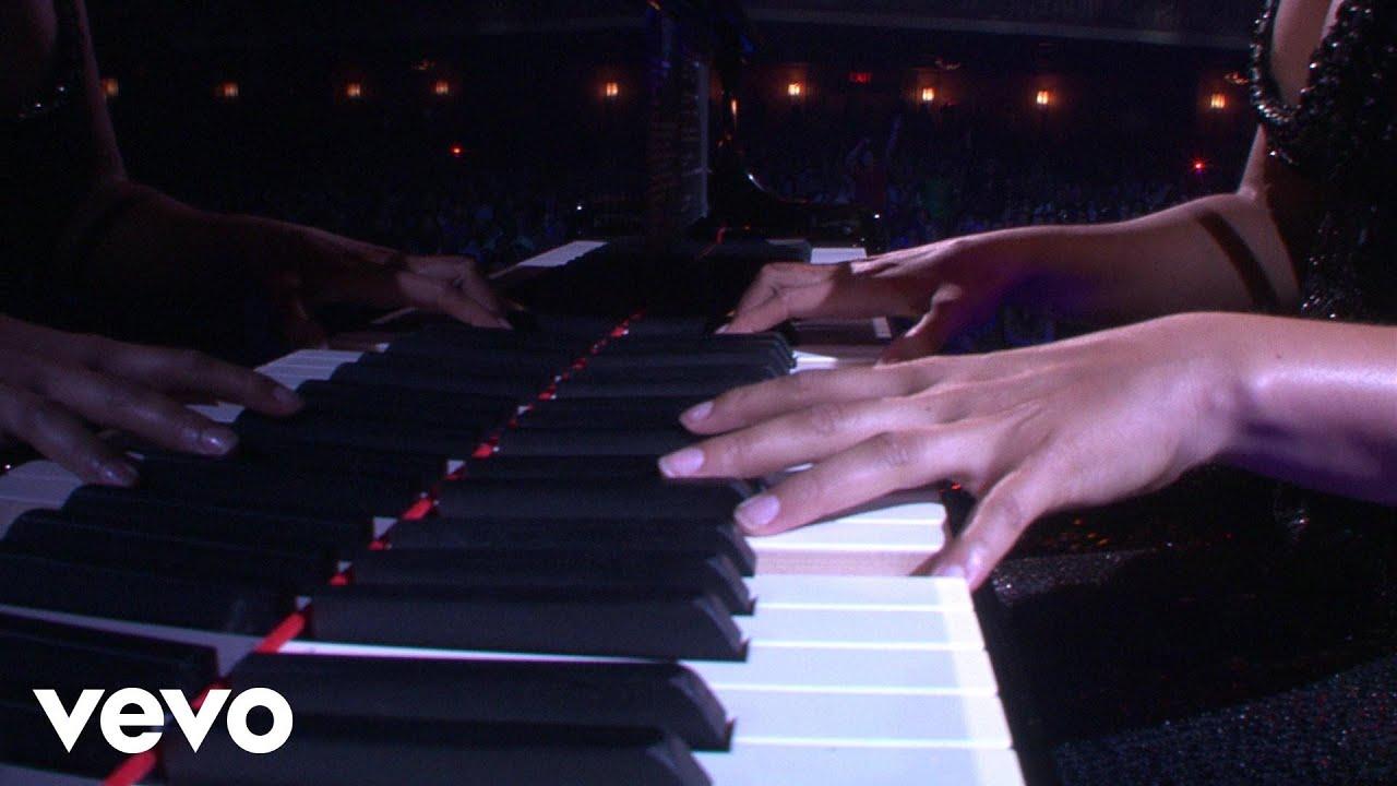 alicia-keys-you-dont-know-my-name-piano-i-aol-sessions-1-aliciakeysvevo