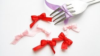 A super easy and fast tutorial on how to make cute ribbon bows. Ple...