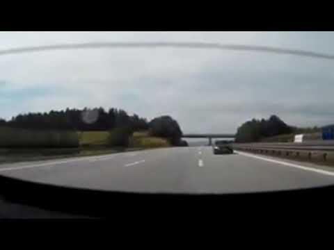 AUDI R8 near crash at Deutsche Autobahn! Such a great reaction! 25-12-17