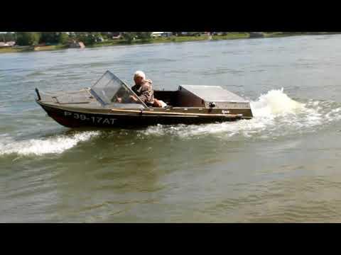 Подготовленная лодка Крым Водомёт. Испытание на крутых поворотах.