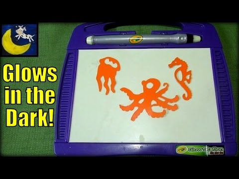 crayola glow station on the go day night toy review youtube