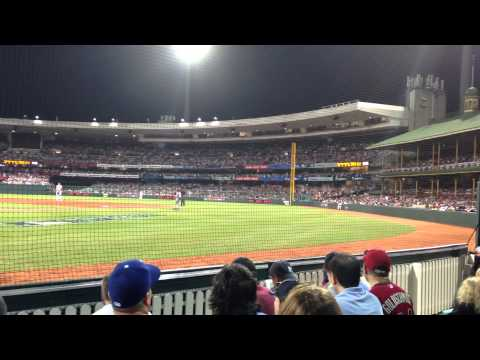 Sydney Cricket Ground Meets The Wave (MLB Opening Day 2014)