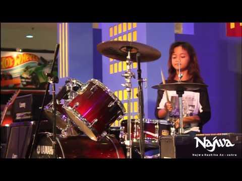 Najwa  - Perform Format Band @Ambarukmo Plaza - Zigaz Wake Up