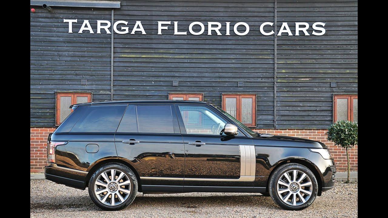 Range Rover Vogue SE 4 4 SDV8 in Santorini Black with Full Ebony