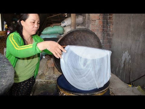Vietnam street food - Thinnest Crepe in the word - Street food in Vietnam 2016