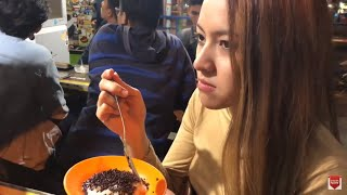 Baby Shima jalan di Malang Indonesia Part 2 - cuba makan ketan
