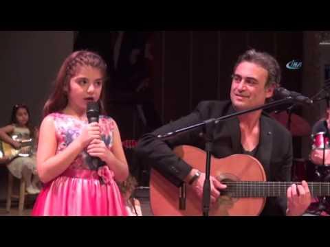 Kutsi Kızıyla Konser Verdi