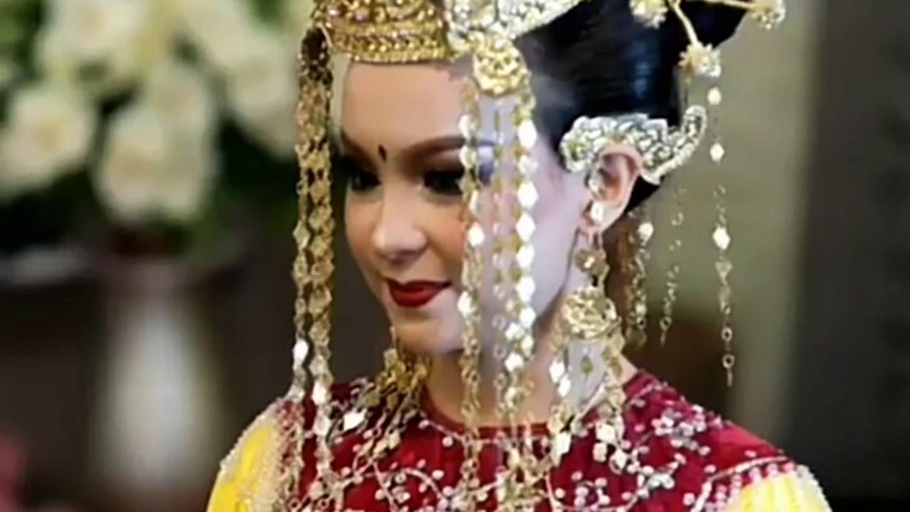 "BERIAS"" Pengantin Melayu Pontianak kal Bar - YouTube"