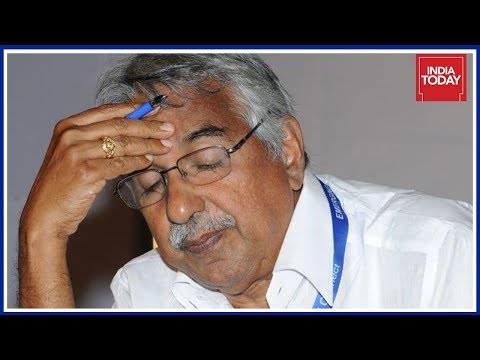 Judicial Commission Finds Involvement Of Oommen Chandy In Solar Scam