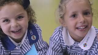 Virgen niña colegio