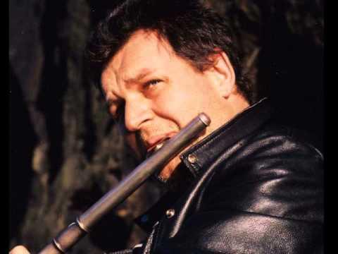 Escape from East Berlin - Dave Heath {bass flute} Daniel Pemberton -  MAN FROM UNCLE