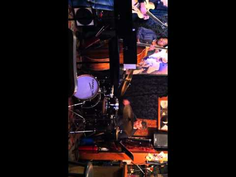 The Eric DiVito Group, feat. Steve Wilson, Live @Smalls, 12.8.13 - Pass' Time (drum solo)