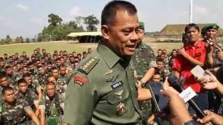 (23/9/14)Pasca penembakan anggota TNI, Kasad motivasi Prajurit YONIF 134/TS DI BATAM