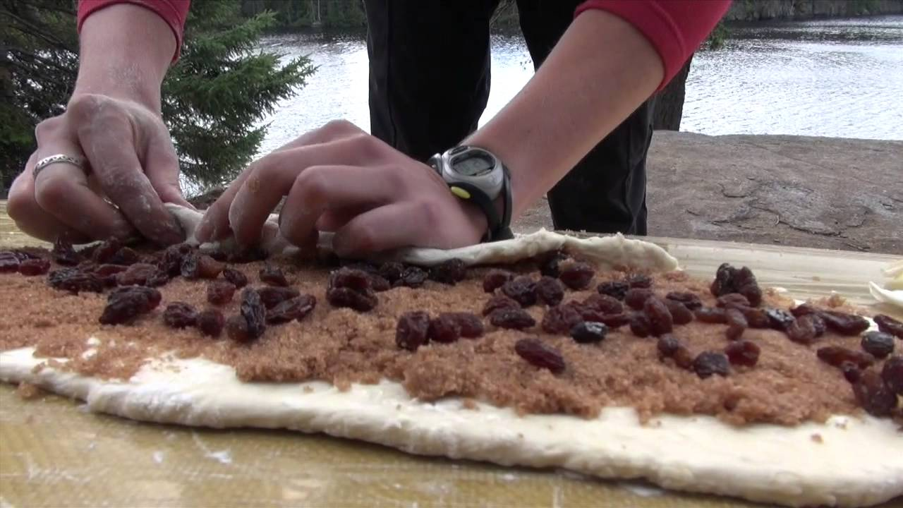 How To Make Cinnamon Rolls While Camping
