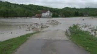 Densas lluvias causan inundaciones en Bosnia