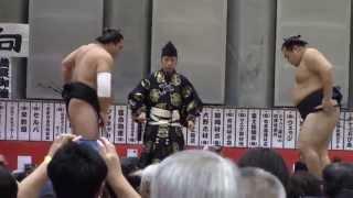 大相撲山梨富士山巡業での「日馬富士vs鶴竜」