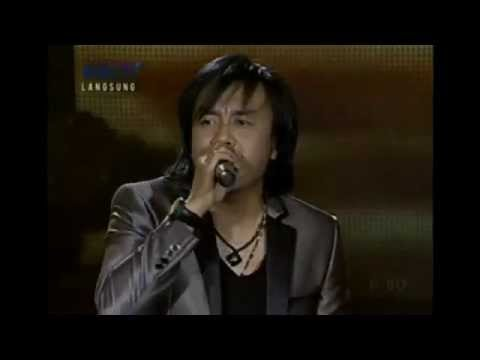 Ari Lasso feat. Regina _ Sean _ Yoda - Mengejar Matahari - Top 3 Indonesian Idol 2012 (23 June 2012)