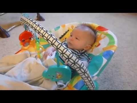2015 06 03 Bright Starts Safari Smiles Bouncer   Elliot Reaction