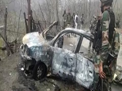 Blast damages CRPF vehicle on Jammu-Srinagar highway | Panchnama (30.03.2019)