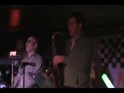 "Reegal Beegal ""When Eyes Meet"" @ The Loft clip 2"