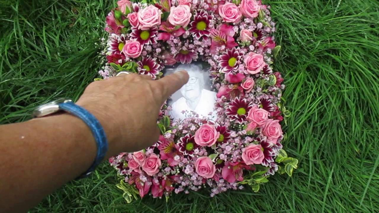 Teach Me Floristry How To Make A Photo Frame Of Flowers Youtube
