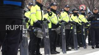 South Korea  Thousands picket Saenuri Party HQs to demand PM resignation